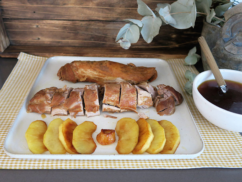 Solomillo de cerdo a baja temperatura con manzana caramelizada