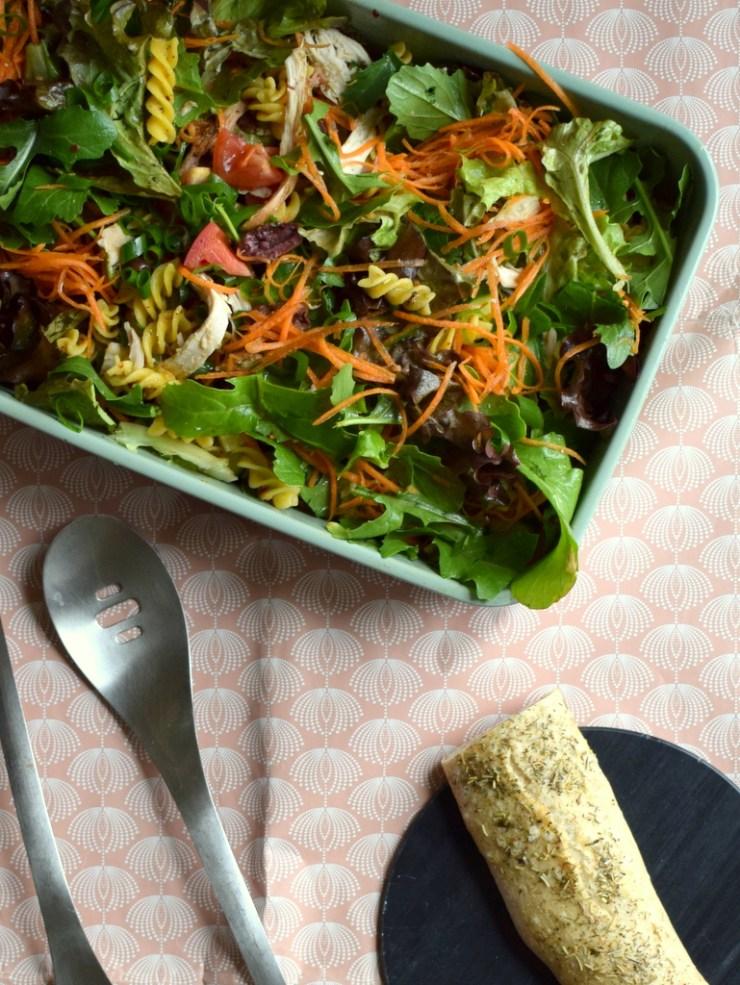Pastasalat-kylling-low-fodmap-glutenfri-gastroequation-salat-aftensmad