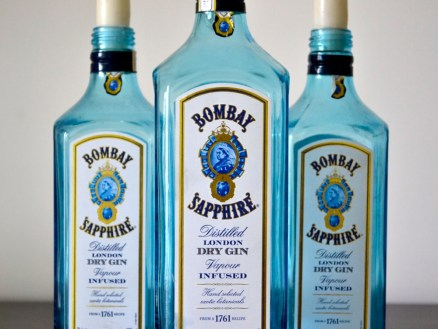 bombay sapphire, london dry gin, gin, bottles, upcycling, recycle, candle holder