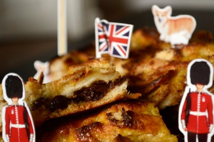 bread and butter slices, earl grey custard, bread pudding, UK characters, british recipe, queen corgi