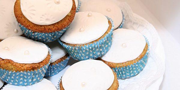 Ünnepi cupcake, a Hófehér