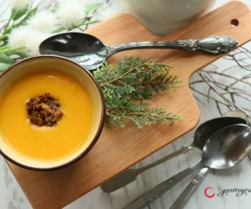 Egy brutálfinom vitaminbomba: Pikáns sütőtökkrém leves marhahús gombóccal