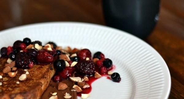 Gastromand-brunch – Part III: French toast, råsyltede bær og masser af Nutella