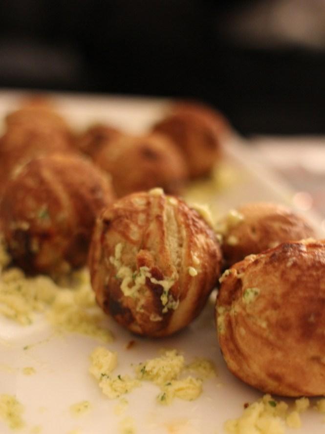 Topmoderne Nytårsmenu 2013 - Snack #1: Æbleskiver med hummer, svampe og SR-66