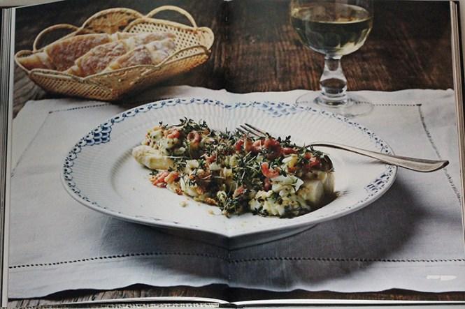 Asparges, rejer og æg.