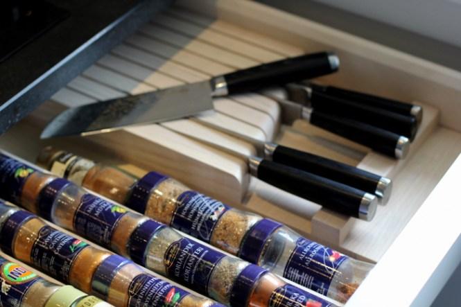 Indsatser i skuffe til krydderier og knive...