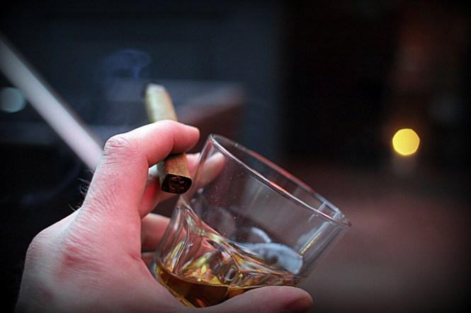 Og nej jeg ryger sgu ikke normalt, men når man byde en whisky og cigar - what to do?