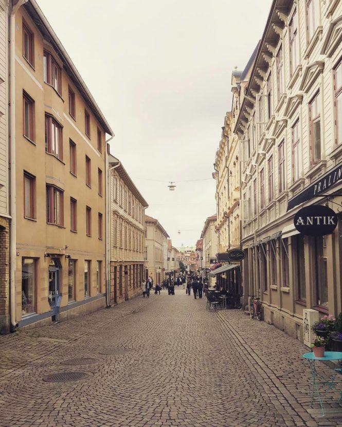 Hovedgaden i Haga - forvent flere mennesker...