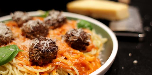 Food On Film – Take 7: Lady & Vagabondens spaghetti and meatballs