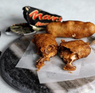 Den ultimative dessert-synd: Beer-battered Mars bar