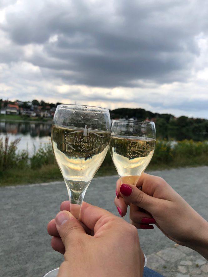 Champagne ved søen i Kolding