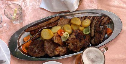 Mixed grill i Serbien