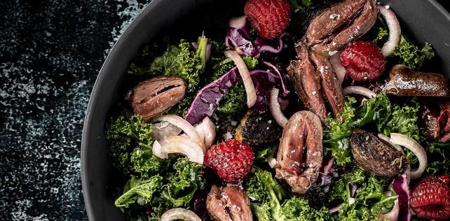 Salat med andehjerter og andekråser