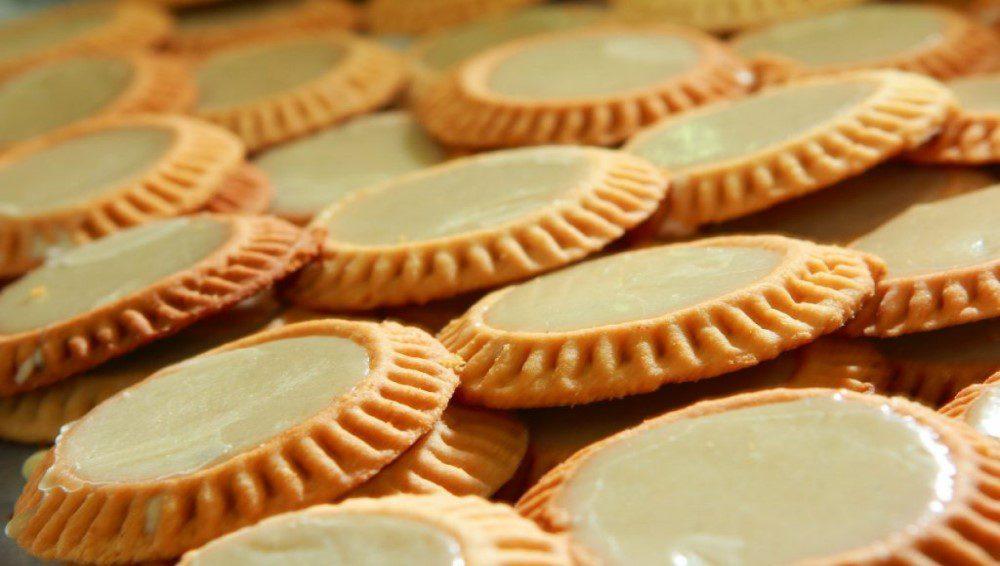 dulces-poblanos-tortitas-de-santa-clara-1024x683