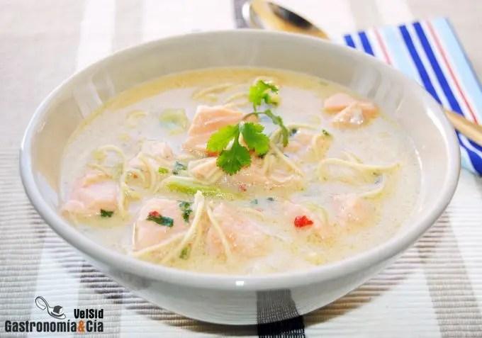 Curry laksa de salmón