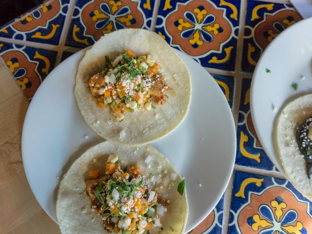 Alamexo: puerco tacos