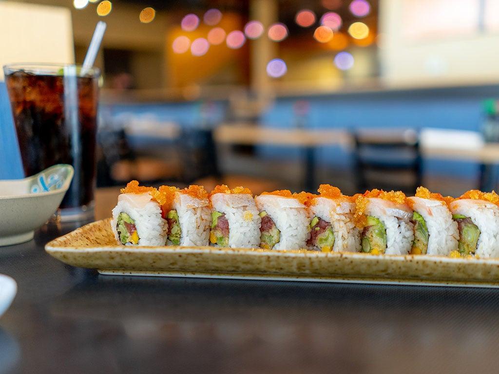 Tsunami - spicy masa roll