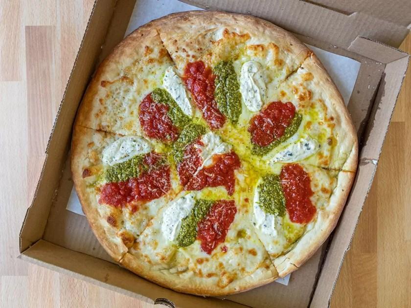 Villagio Pizzeria - ferragosta pizza