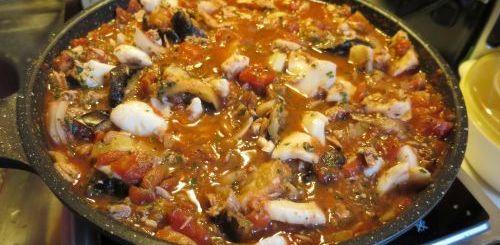 Encornets à la sauce au thon