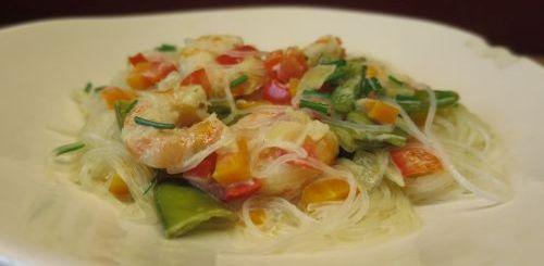 Nouilles de soja aux crevettes et au curry vert