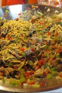 Wok de boeuf aux poivrons (158 kcal / portion de 200 gr)