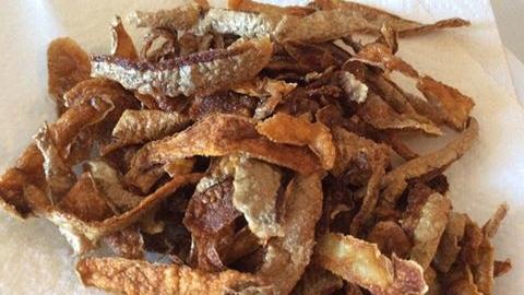 Chips d'épluchures de pommes de terre