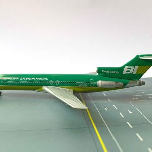 Braniff International B727-200 Flying-Colors 1:400 Scale Model (GREEN)