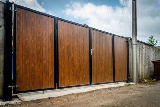 Aluminium Bi-Fold Gates