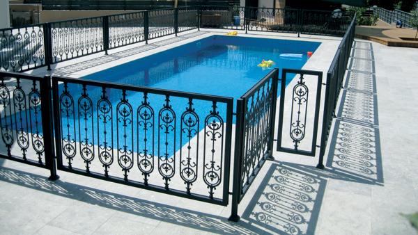 corrosion-free-pool-railing-for-gatesla1
