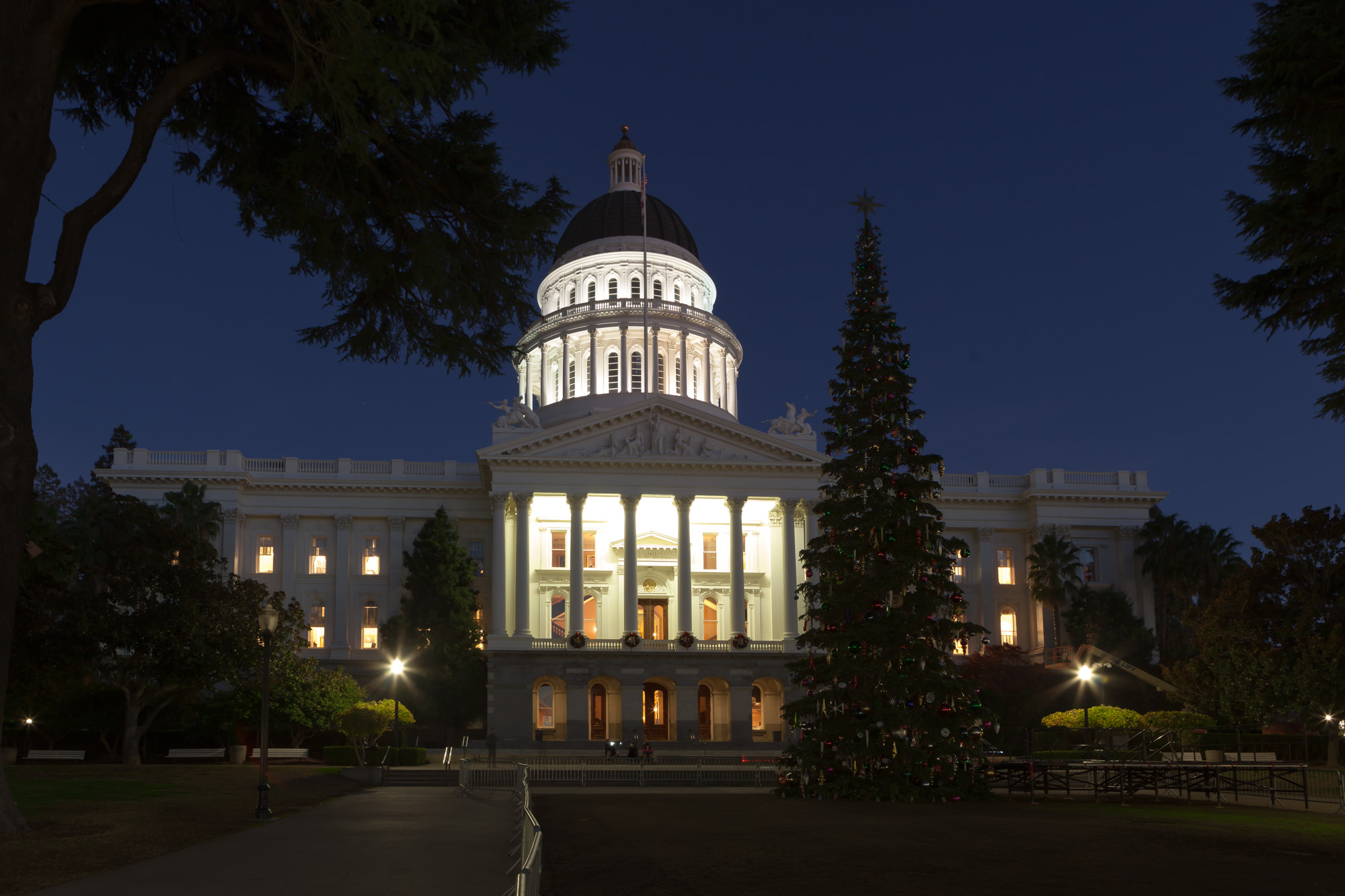 Touring the California State Capitol