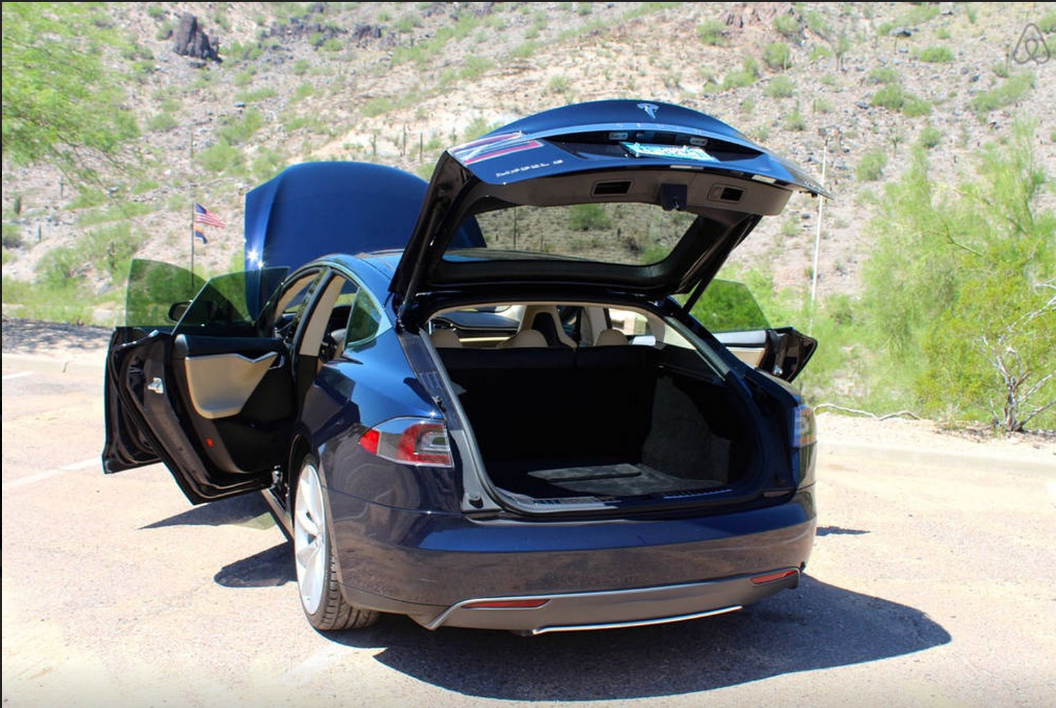 Tesla Model S gets listed as a 85$ a Night Airbnb Room