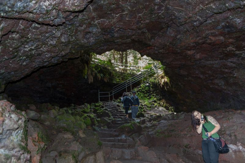 Main Entrance to the Ape Cave