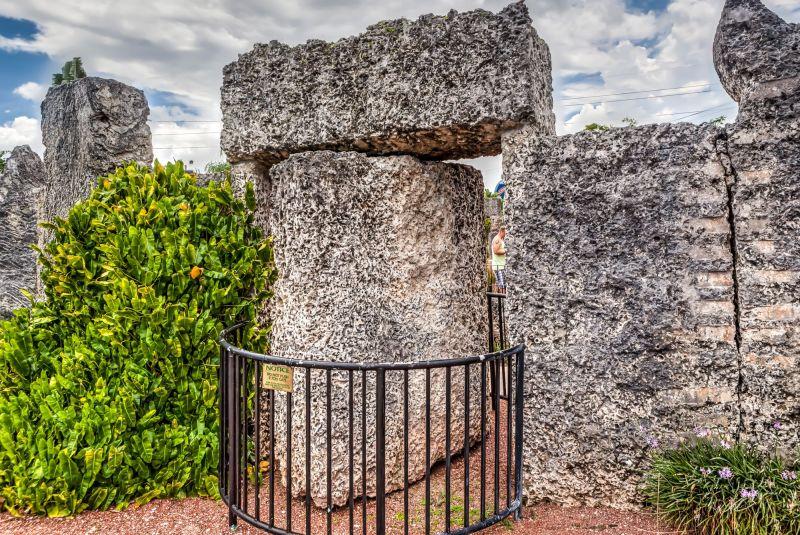9 Ton Gate