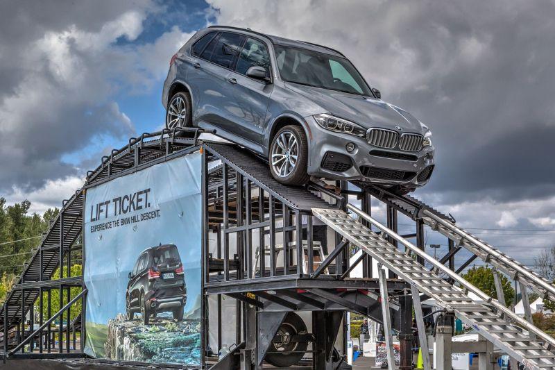 BMW X5 Hill Descent Demonstration