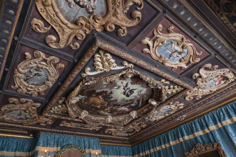 Ceiling of a Guest Room