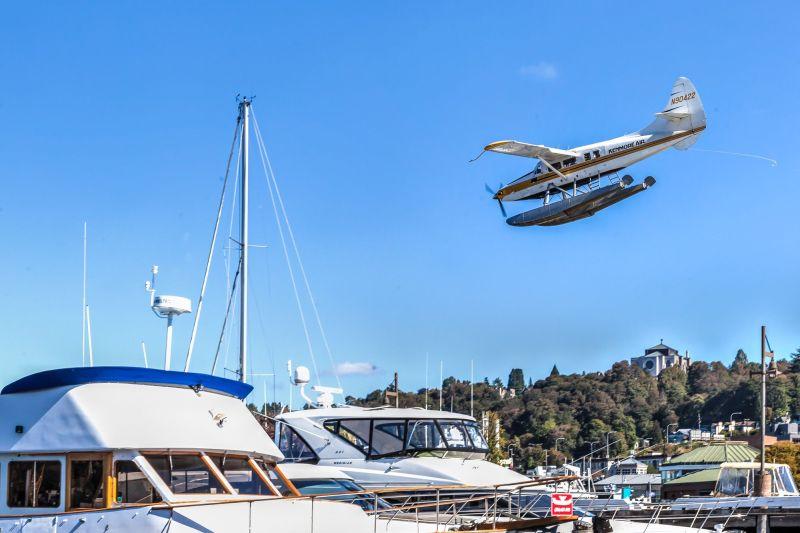 Seaplane landing on Lake Union