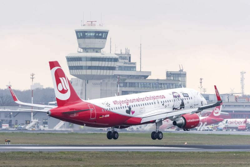 Christmas Fyler at Berlin Tegel Airport (TXL). Photo by Günter Wicker