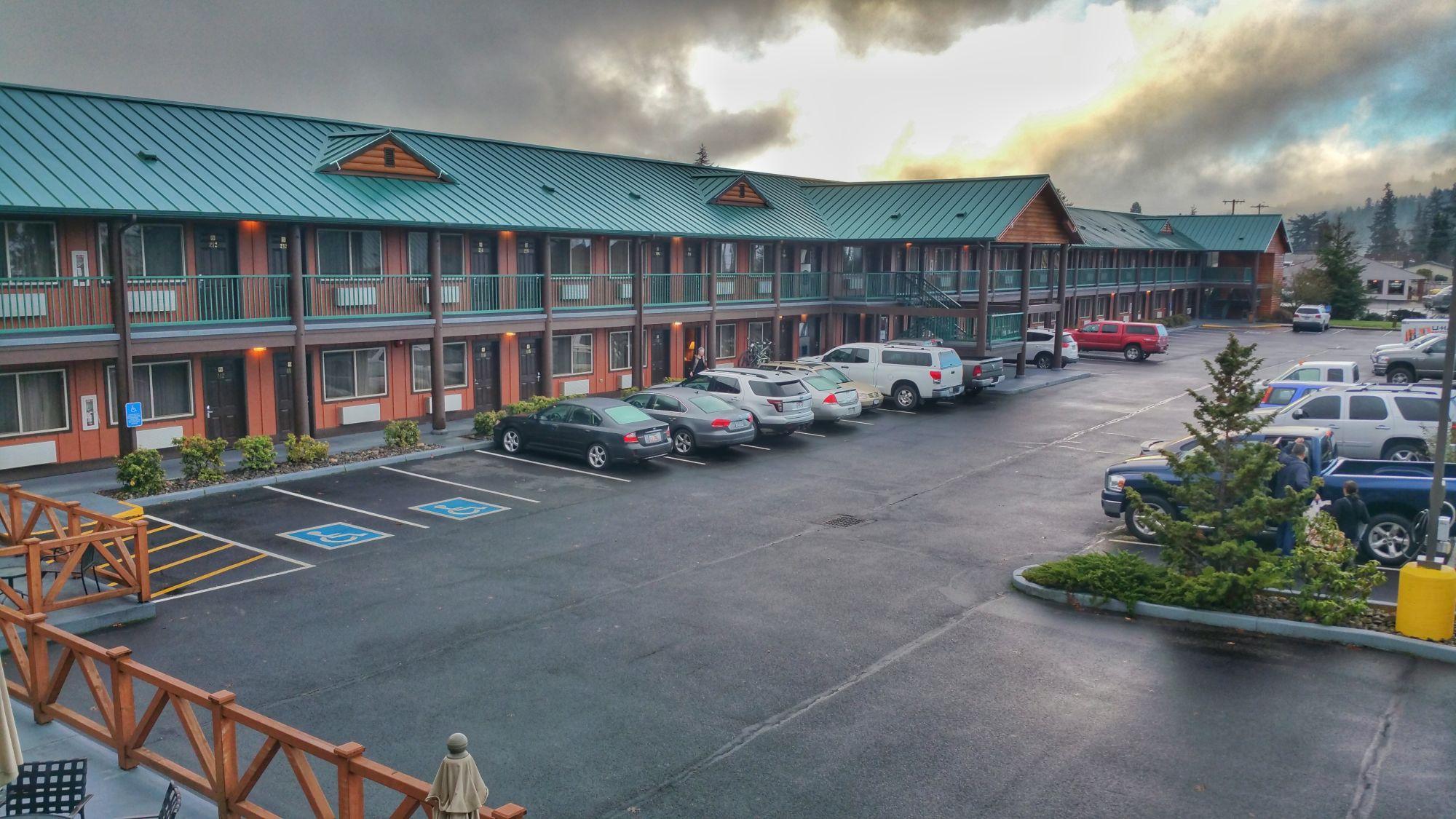Hotel Review: Best Western Plus Hartford Lodge in Sutherlin, OR