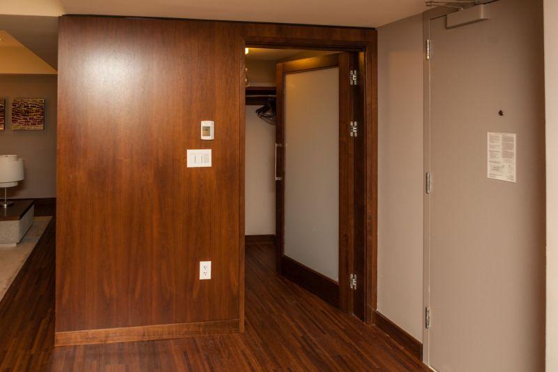 Hospitality Suite Den