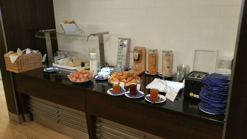 Snack Bar with Breakfast Items