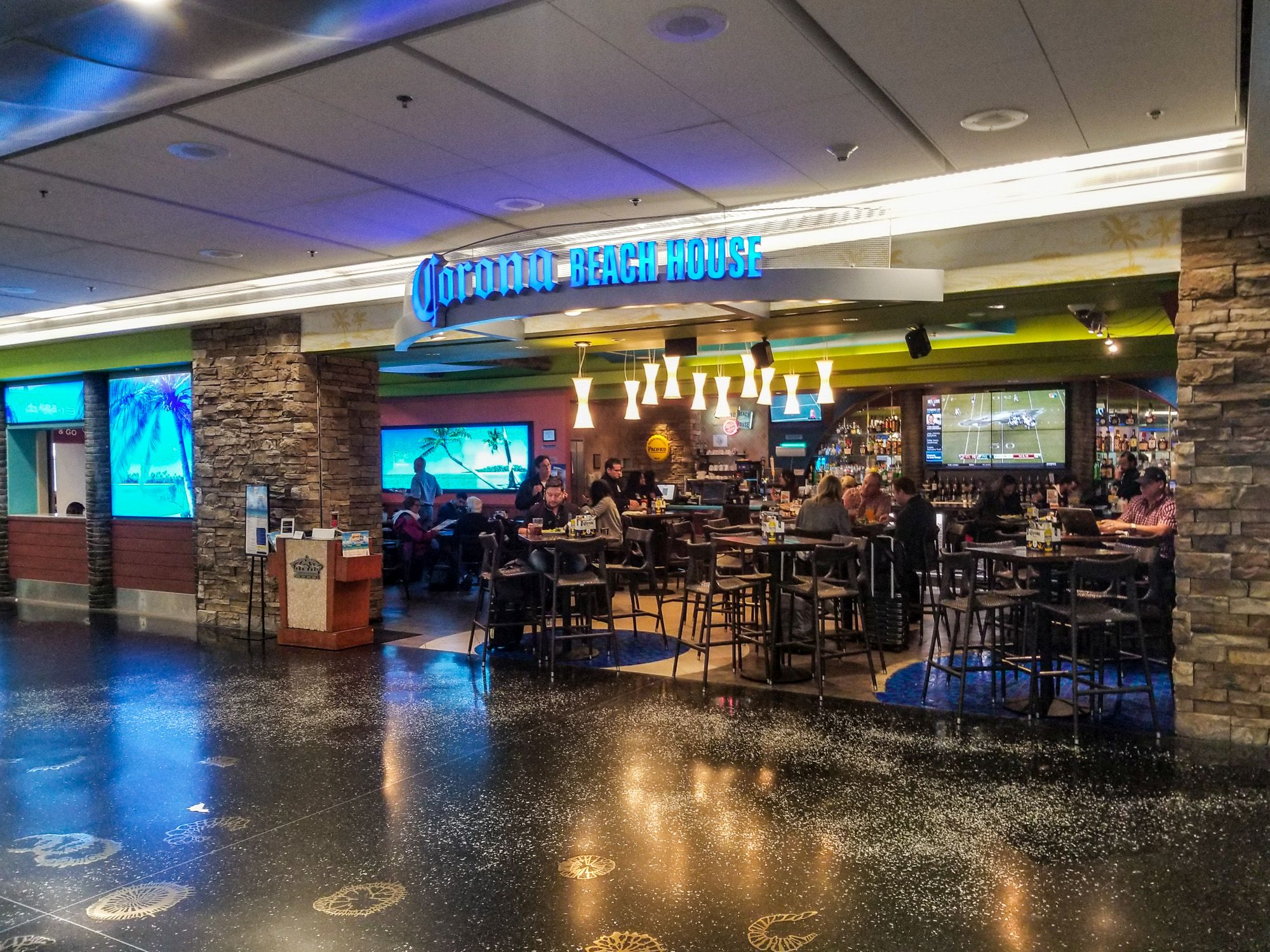 Lounge Review: Corona Beach House at Miami International Airport (MIA)