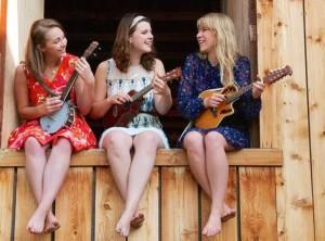 The Dearhearts (l-r) are Lauren de Graaf, Alix Cowman and Lauren Hamm.