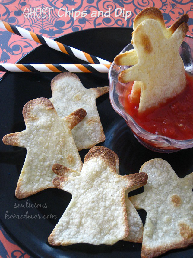 Ghost-Chips-and-Dip-Appetizers-by-sewlicioushomedecor.com_
