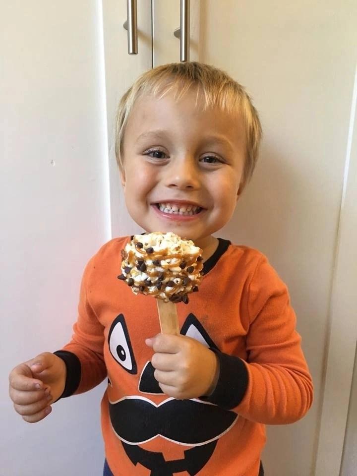 popcorn-caramel-balls-