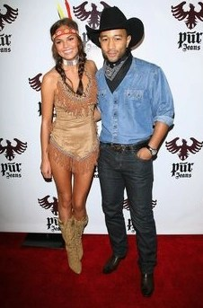 Couples Halloween Costumes: Indian & Cowboy