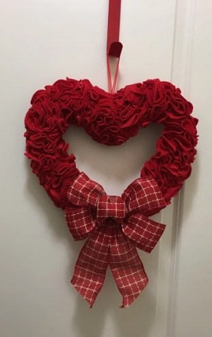 Valentines Day Wreath Ideas for Front Doors