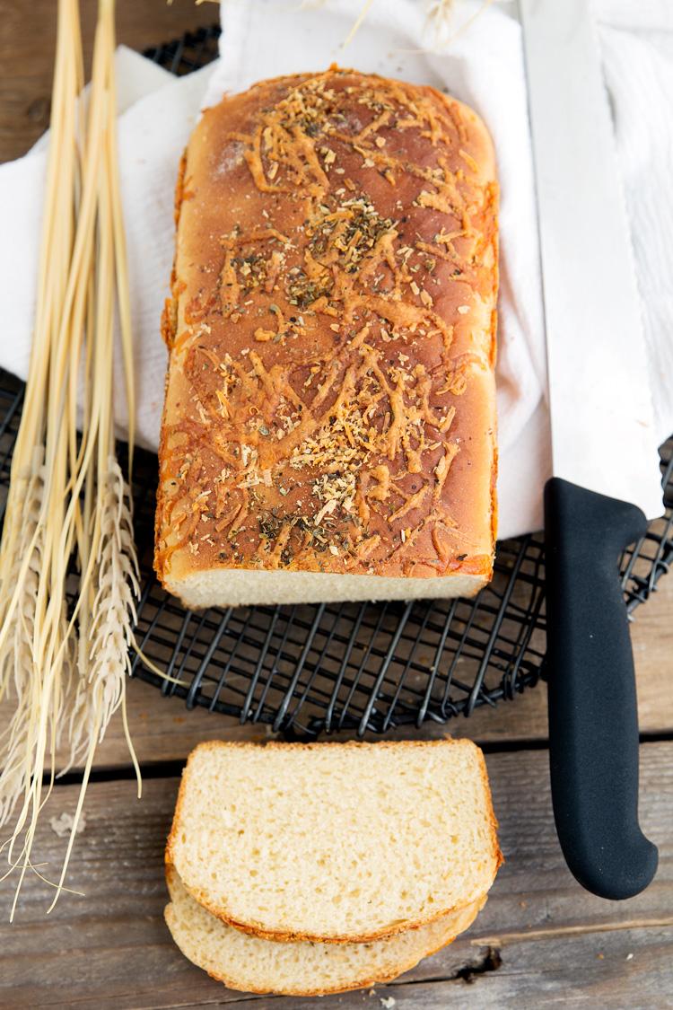 Three-Cheese-Bread