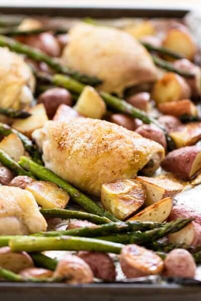<Chicken and Vegetable Sheet Pan Dinner