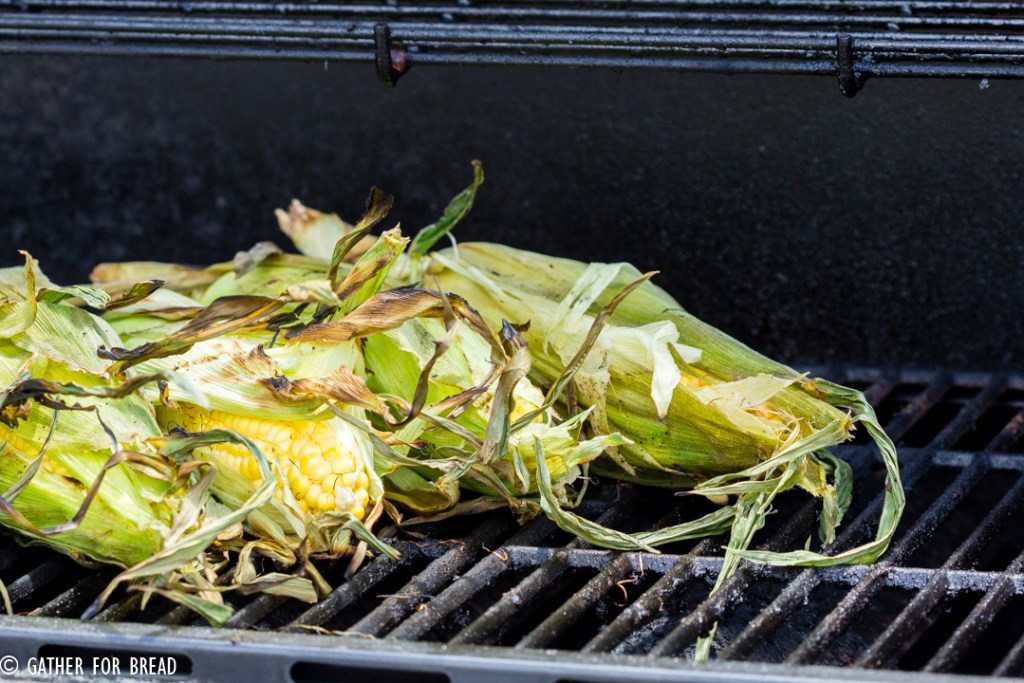 Grilled Corn on the Cob - How to Grill Corn - Grilling corn is an easy BBQ side dish recipe for summer.