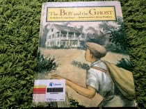 https://gatheringbooks.wordpress.com/2013/10/14/monday-reading-southern-ghosts/